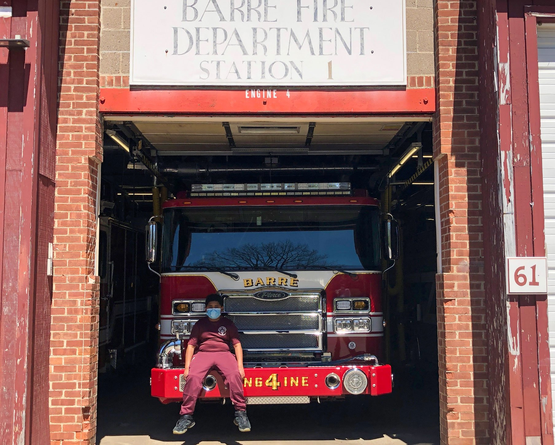 Stetson Students presents Community Giving Fund Grant to Barre Fire Department
