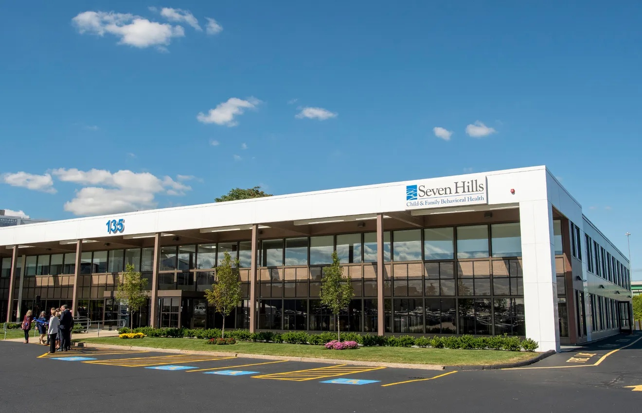 Seven Hills opens new behavioral health center on Gold Star Blvd.